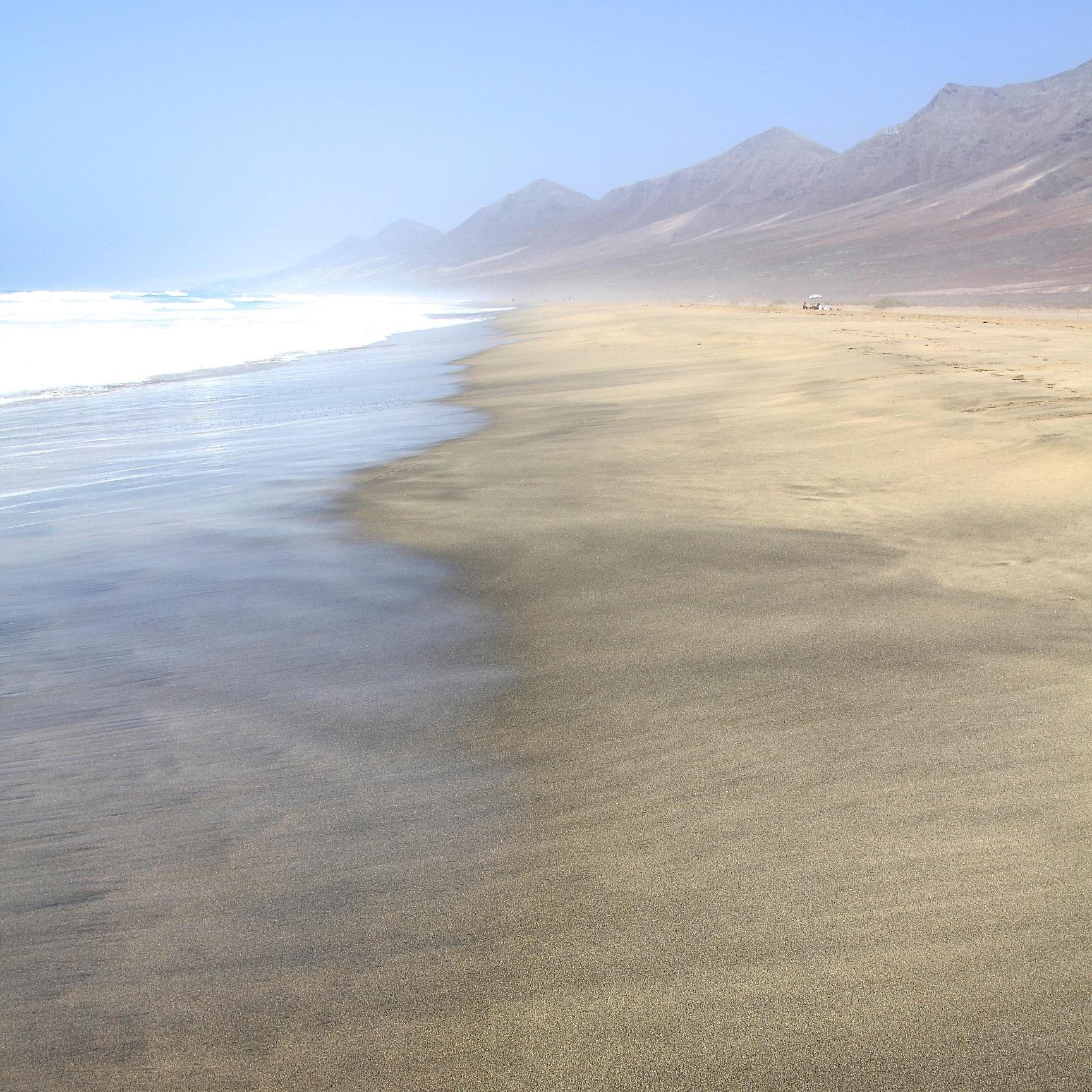 Playa y compras, tandem perfecto en Fuerteventura