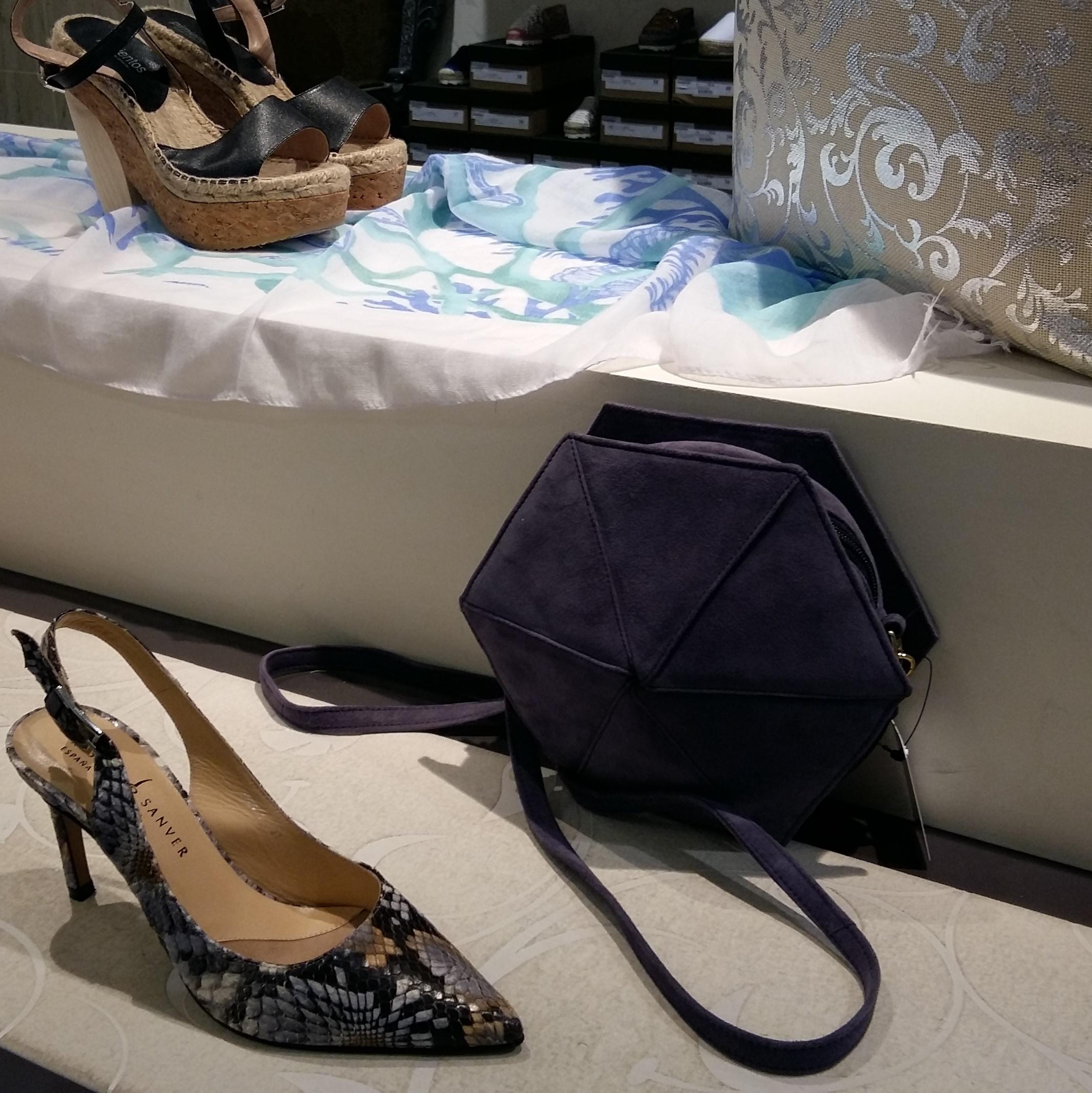 muestrarios de zapatos en Elda