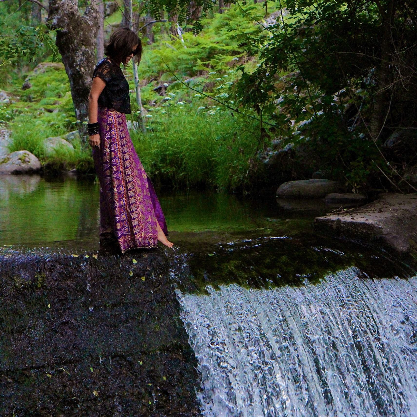 Falda larga realizada con sarong