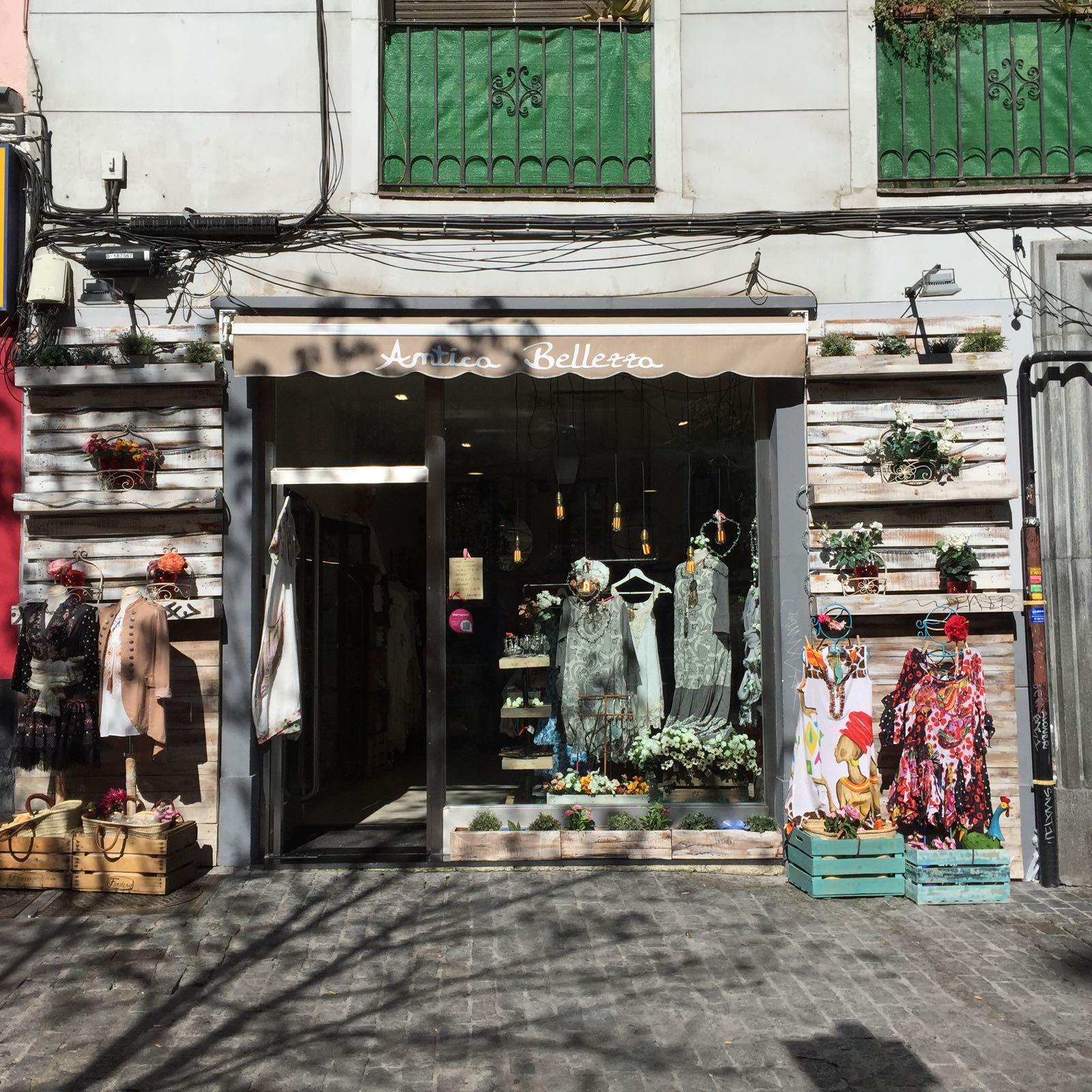 Fachada tienda en Chueca