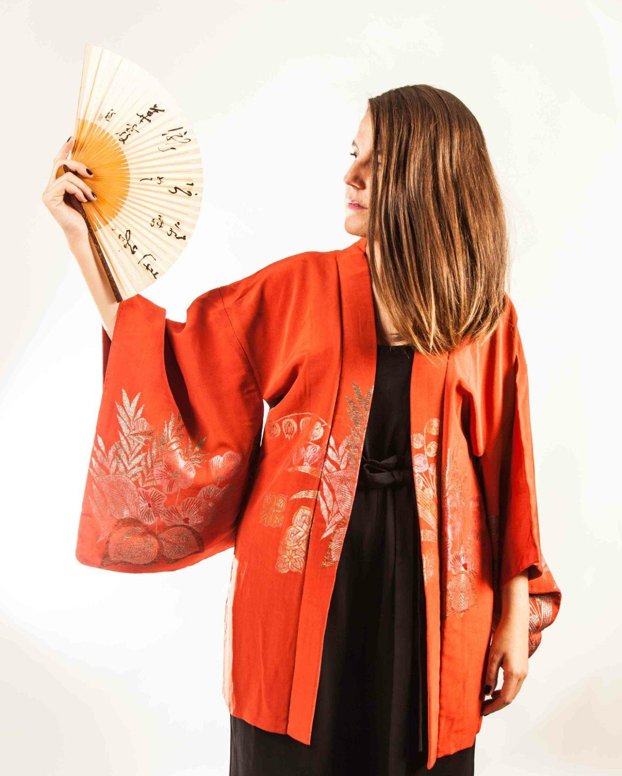 Aída con uno de sus kimonos
