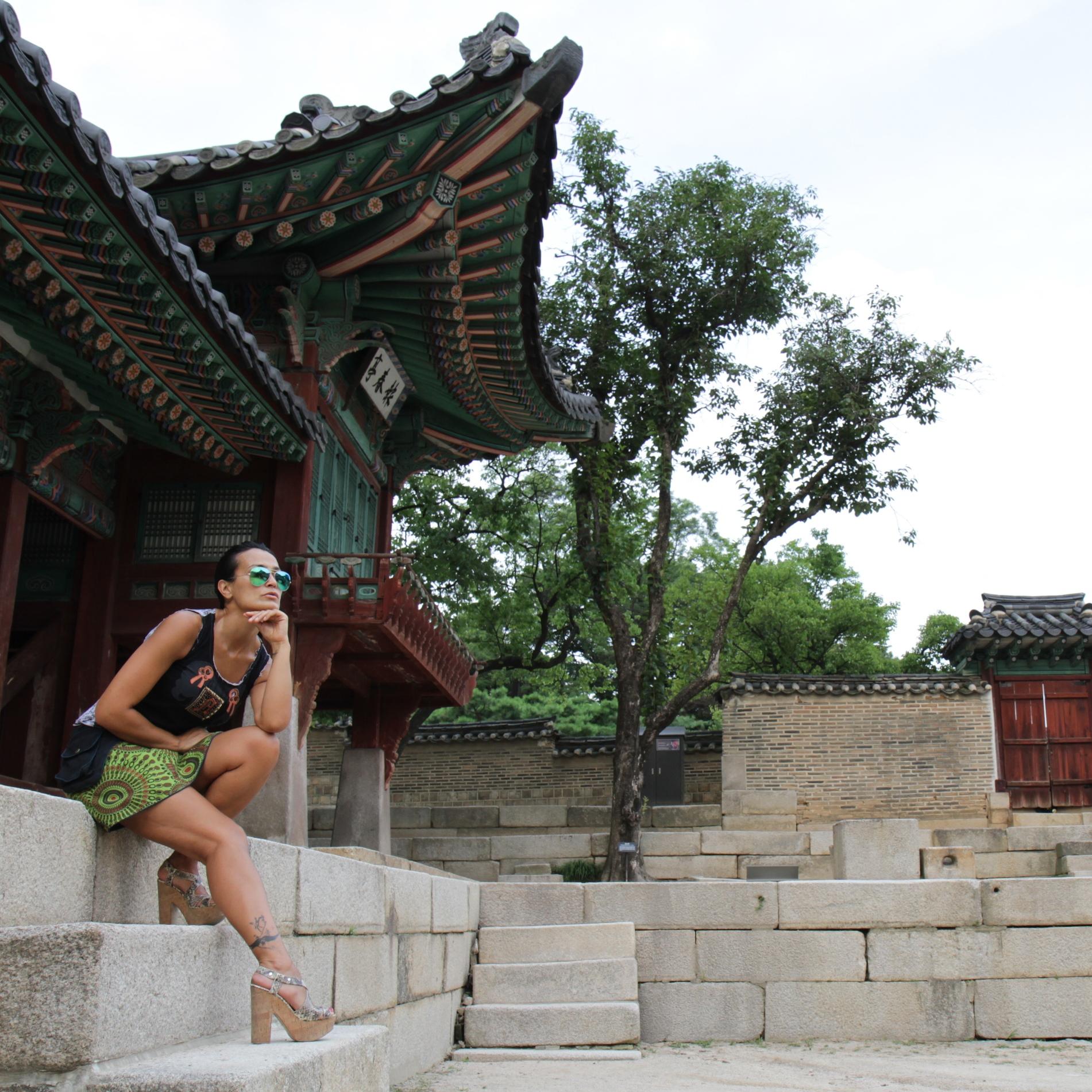 Con falda hippy en Seúl