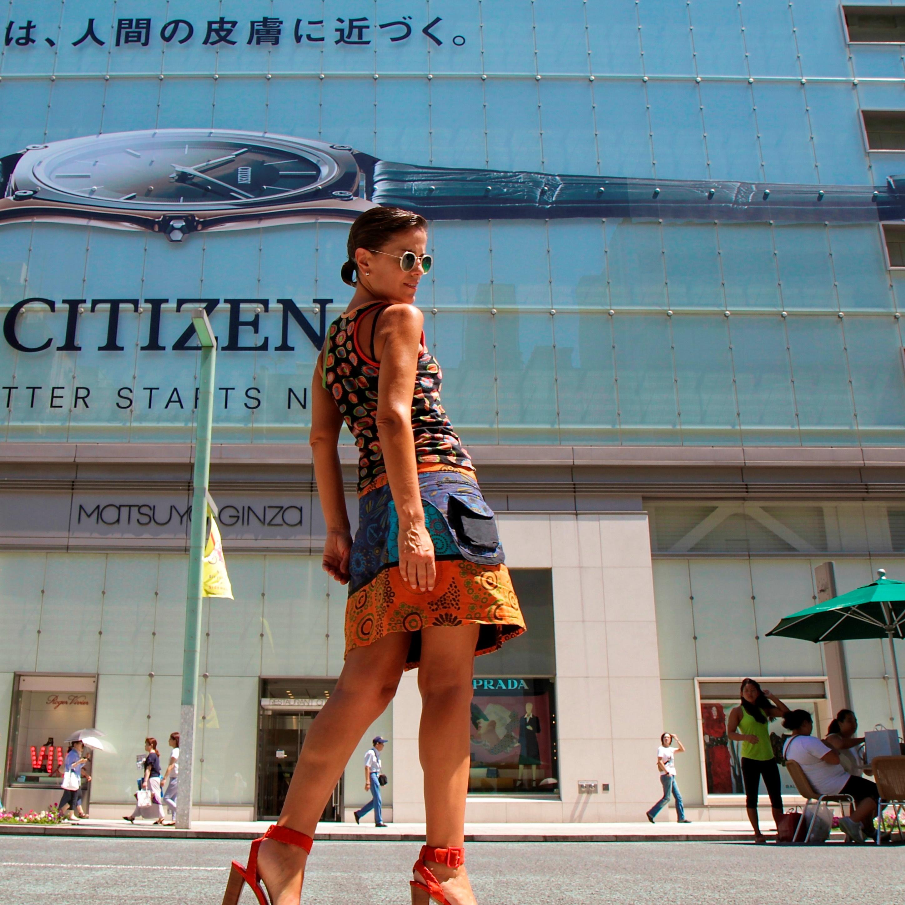 Con falda hippy en Tokyo