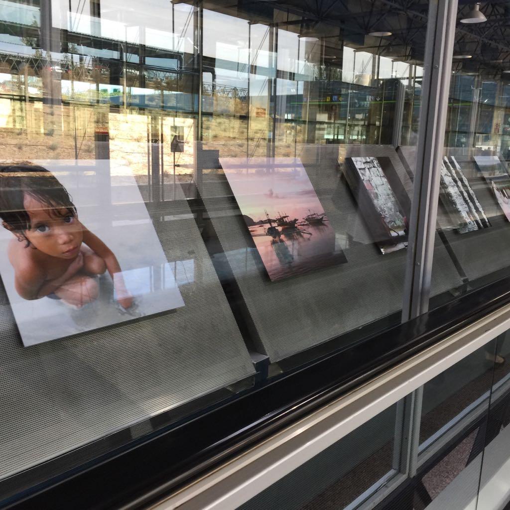exposición fotos viajes aeropuerto Madrid