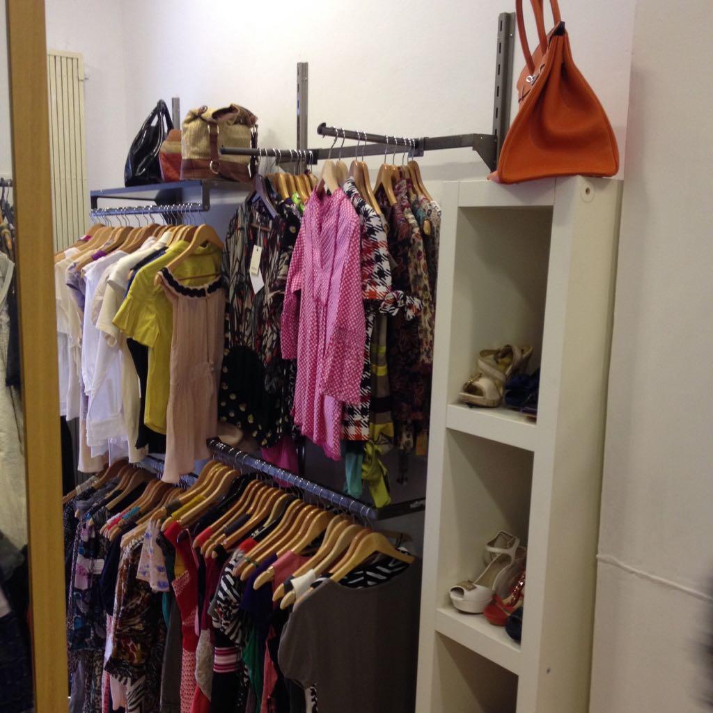 d054b0e48f1e Comprar ropa de diseñadores a precios baratos · Moda y complementos baratos  · Moda con grandes descuentos