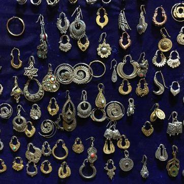 Puesto de pendientes en Varanasi