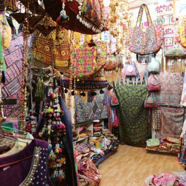 Tiendas de Katmandú: bordados de Rajastán