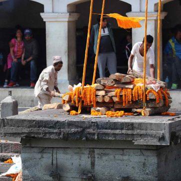 Qué ver en Katmandú: templo de las cremaciones