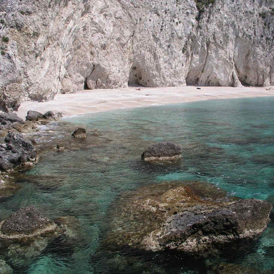 Calas desiertas en Corfú