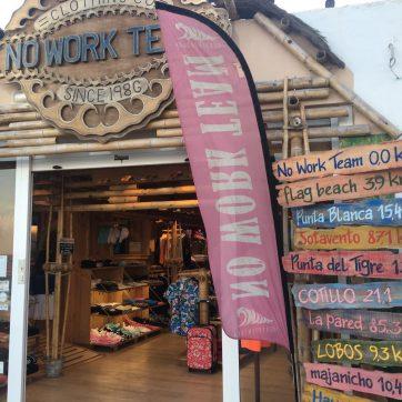 tienda de surf en Corralejo
