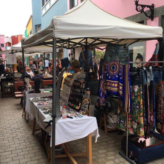 Mercadillo de Artesanos en Corralejo