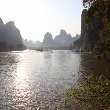 Navegación por el rio Li