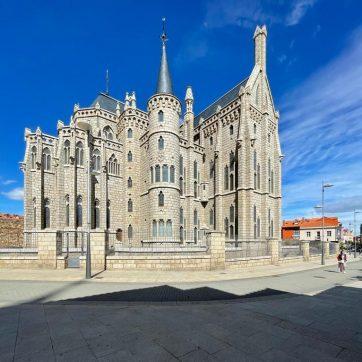 Palacio Episcopal de Gaudí en Astorga